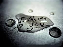 » Tu me manque trop. Et le pire c'est que je ne te manque pas. C'est d'avoir le sentiment de plus compter du tout. Tu as tiré un trait sur moi et je vais devoir mit habituer. J'ai l'impression de ne pas exister pour toi ..