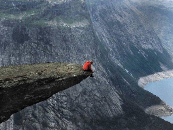Le précipice est là mais tu sautes TU SAUTES!!
