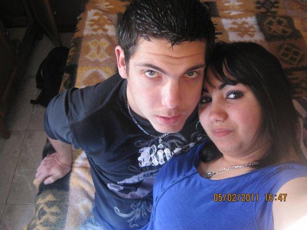 moi & l'homme qui fait parti de ma vie ♥♥♥♥ (: