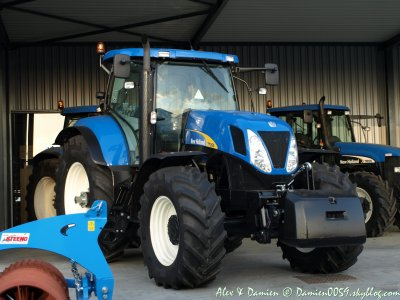 New Holland T7080