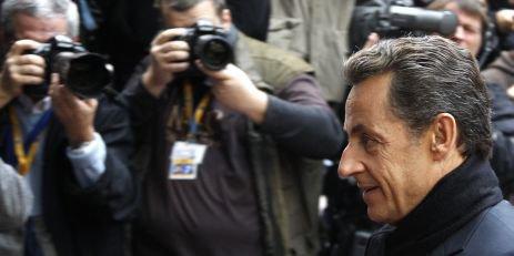 """Selon """"Le Canard enchaîné"""", Sarkozy supervise l'espionnage de journalistes """""""