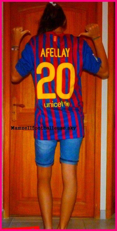 xMathilde . 16 années . Footballeuse . Compliquée.