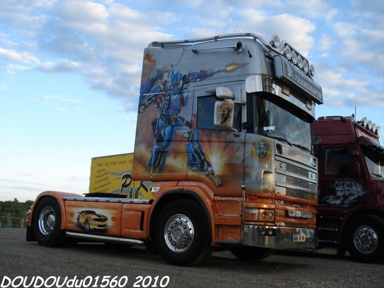 Scania T143H 500 V8 et Scania 144L 530 V8 Transrapid - 24H du Mans 2010