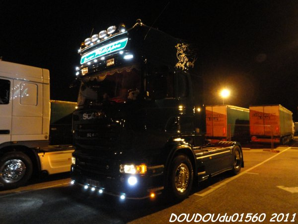 Scania R560 V8 D. Philippon  - Handicaminotrucks Montélimar 2011