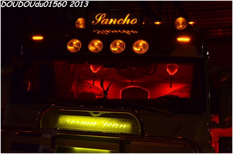 Scania 143 500 V8 Sanchotrans - Truckshow Ciney 2013