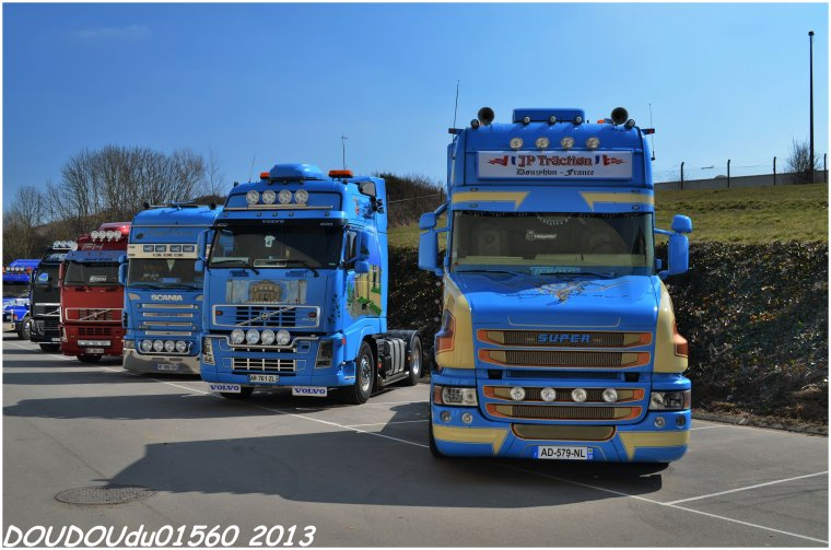 Scania R500 V8 Volvo FH et Scania T144 530 V8 JP Traction - Truckshow Ciney 2013