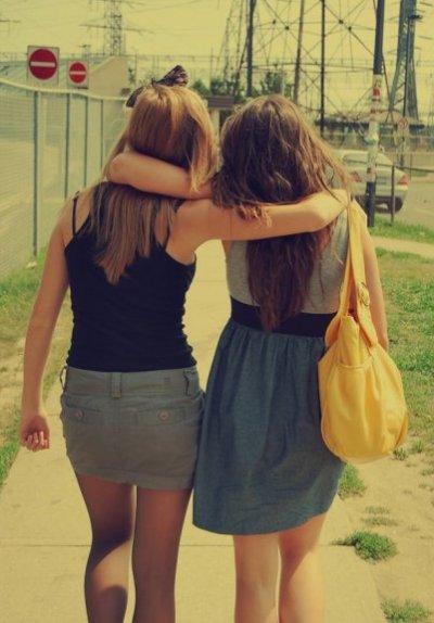 Y'a certaine personne qu'on connais depuis peu de temps & qu'on a l'impression de connaitre depuis toujours..♥