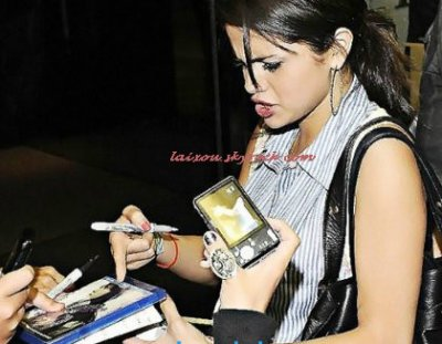 Selena Gomez choquée par un fan de Justin Bieber!!!!