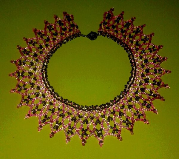 Collier  rosa