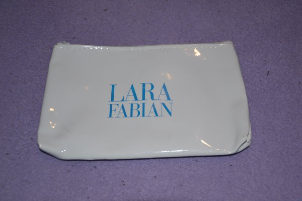 "Trousse de toilette ""Le secret "" 2013 Lara Fabian"