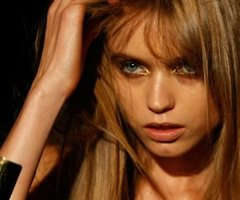 Ta source #1 sur  Abbey Lee Kershaw !