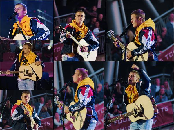 04/06/17 - Justin Bieber  a performé au concert de charité d'Ariana Grande organisé à  Manchester, - UK. Sans surprise, Ju était annoncé. Il a interprété Love Yourself/Cold Water en acoustique. Courte performance mais forte en signification