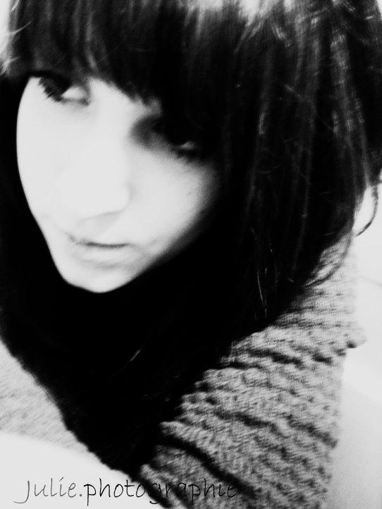 Letoile que tu as vu filler sous tes yeux, nest que la lumiere enfouis au plus profond de toi... Cets ta lumiere qui ets ressortit pour te montrer a quel point tu peux briller malgres tes chutes ...