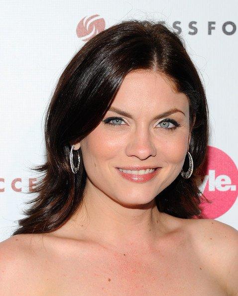 Jodi Lyn O'Keefe Rejoind le Casting de Castle ;)