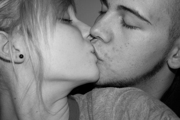 """""""Marions-nous Juliette tu ne sera plus jamais seule, Je t'aime et c'est tout ce que je sais"""""""