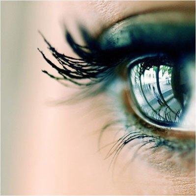« Quand je ferme les yeux je te vois, pourtant quand je les ouvrent tu n'es pas là ! »