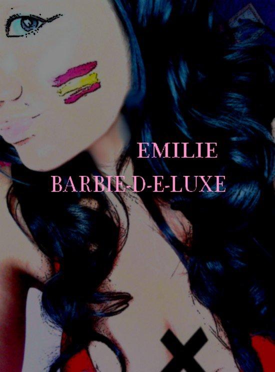 BARBIE-D-E-LUXE.