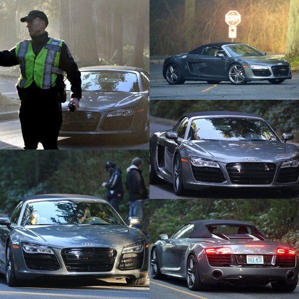 Jamie et Dakota dans la fameuse Audi R8 de M.Grey filmant une scène de FSOG dans un park à Vancouver.