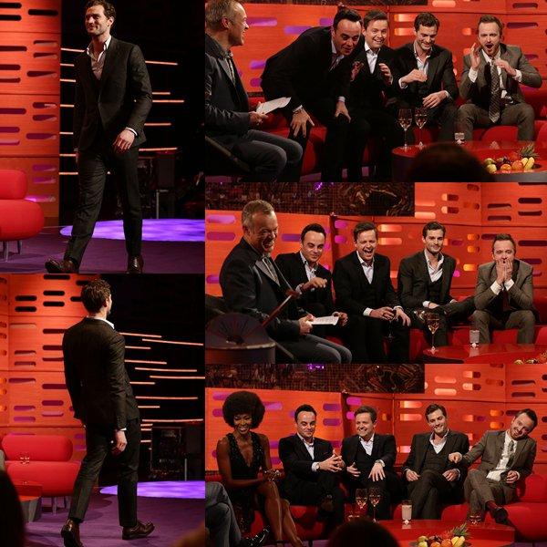"""Comme prévu Jamie s'est rendu sur le plateau du """" The Graham Norton Show"""", l'émission sera diffusé ce soir à 22h35 (heure anglaise)."""