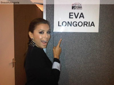 Eva devant sa loge MTVEMA et oui eva était sublime hier soir ^_^