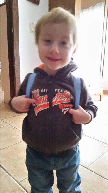 photo de mon fils Jérémy avant son premier jour d'école