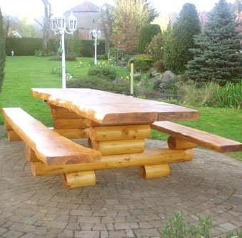 Garder l'éclat de vos meubles en bois de votre jardin