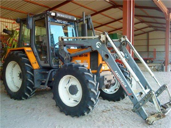 Tracteur renault 103 54 avec chargeur faucheux baptagri - Tracteur avec fourche ...
