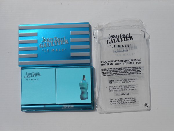 "GAULTIER - COLLECTOR EDITION LIMITEE BLOC NOTES + STYLO "" LE MALE "" (2009)"