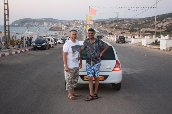 moi et mon frère mouhamed a la plage .