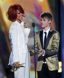 Justin remballé par Rihanna au billboard music awards