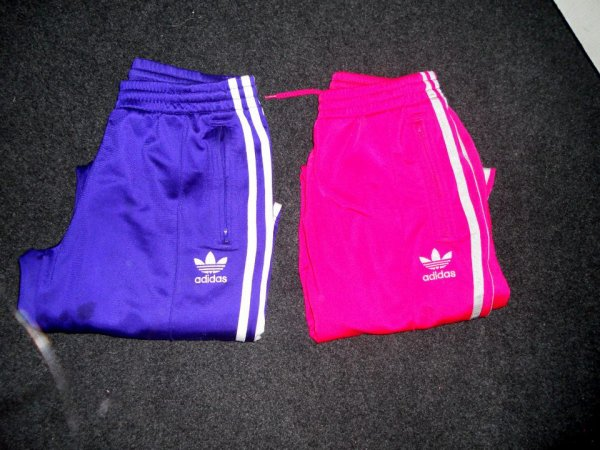 Jogging Adidas Taille 36 Femme .