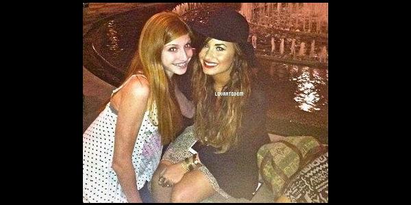 Demi dans West Hollywood avec son amie Sirah (C'estquicellelà?) ce 30 Septembre !