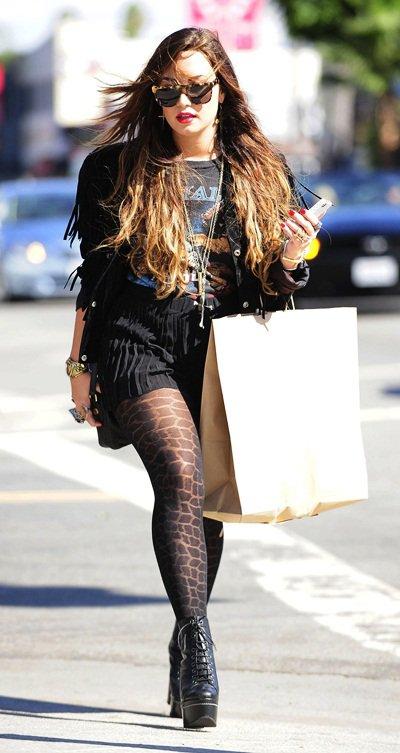 Demi en pleine séance shopping ce 6 Octobre ! Aimez-vous sa tenue ?