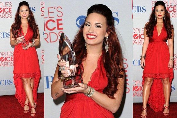 * 11 Janvier 2011 : Demi était présente aux People's Choice Awards. *