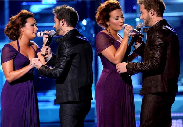 * 10 Novembre 2011 : Demi était présente aux Latin Grammy Awards. Vos avis ? *