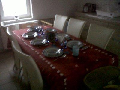voici la table dressée, pour mon annif!