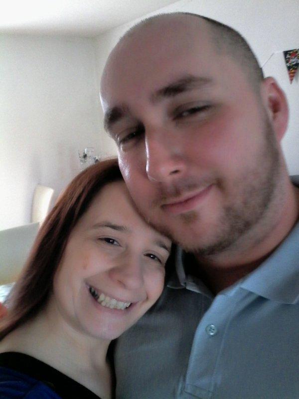 nous, ca fais bientot 18 ans qu on est ensemble et je t aime tjs autant