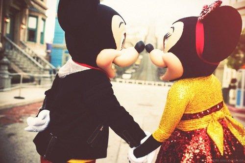 On aime un coeur pas un physique! Tu dois aimé avec ton coeur pas avec tes yeux !<3>;<