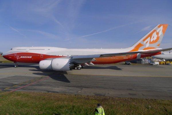 le voici le nouveaux boeing 747_8