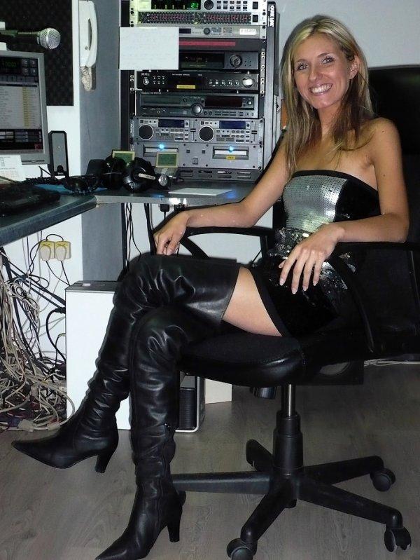 """Aurore - (Angierella) - dans """"Les Etoiles de BES"""" sur Gold FM - 23 juin 2010"""