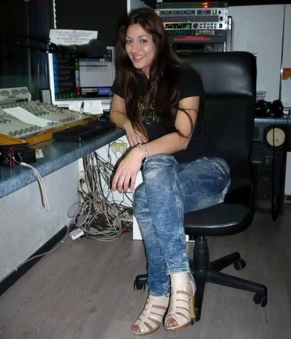 "Maiara, finaliste ""Miss Brasil Belgium"" 2011, est aussi chanteuse..."