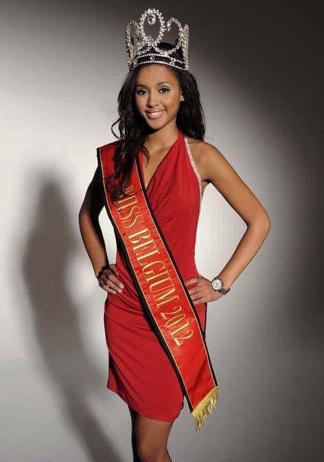 Balmain habille le poignet de Miss Belgique 2012, la superbe LAURA BEYNE