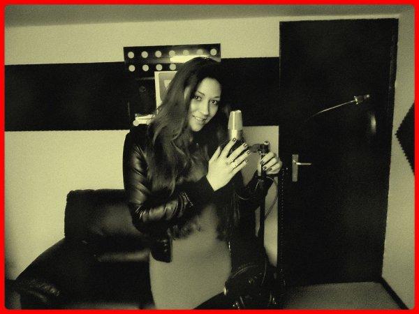 MAI PIERLOT, bientôt en studio pour ses nouvelles chansons - Casting par e-mail