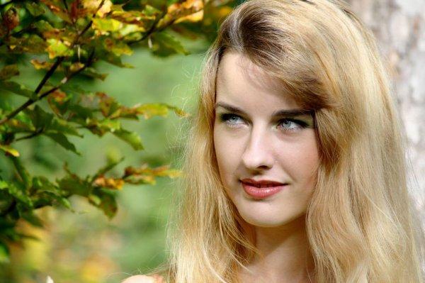Découvrez le nouveau clip d'IVANA : Miss Photogénie BES 2013 - When Darkness Falls