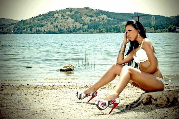 Emillia Rich, chanteuse mais aussi mannequin - (MODEL)