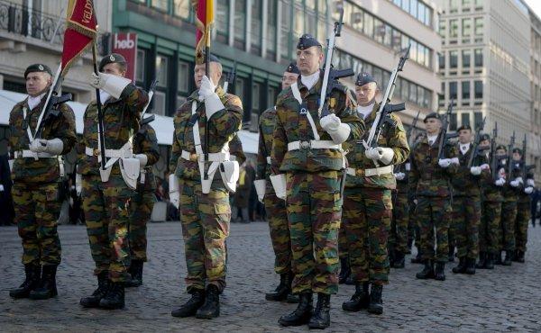 11 novembre - Armistice - Le Roi Philippe rend hommage au Soldat inconnu