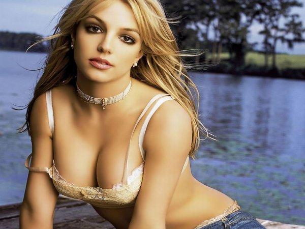 Britney Spears : Work B**ch - Clip en partie censuré en France ? Donnez votre avis !!!