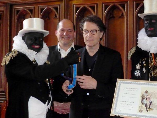 Francis Cabrel reçoit la Médaille de Reconnaissance de la Ville de Bruxelles