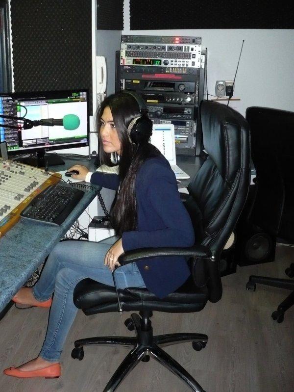 Asye (Assia) a gagné ses galons d'animatrice radio !!!