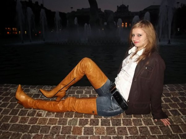 """BES FASHION : Sandy, la jeune """"AMAZONE"""" en cuissardes FERNANDO BERLIN !"""